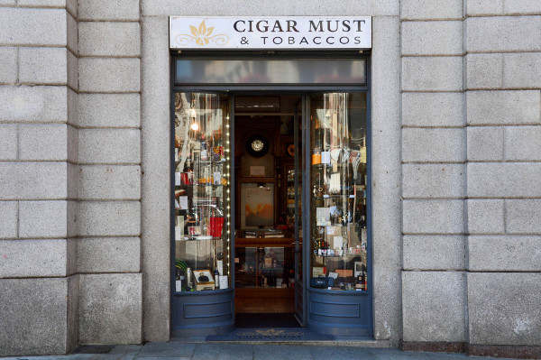 Cigar_Must_LuganoRiforma_1_reference.jpg